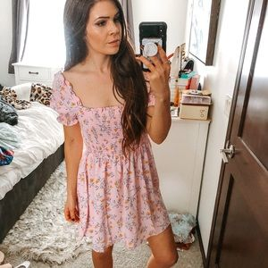 NWT H&M Puff Sleeve Smocked Dress Floral blogger z